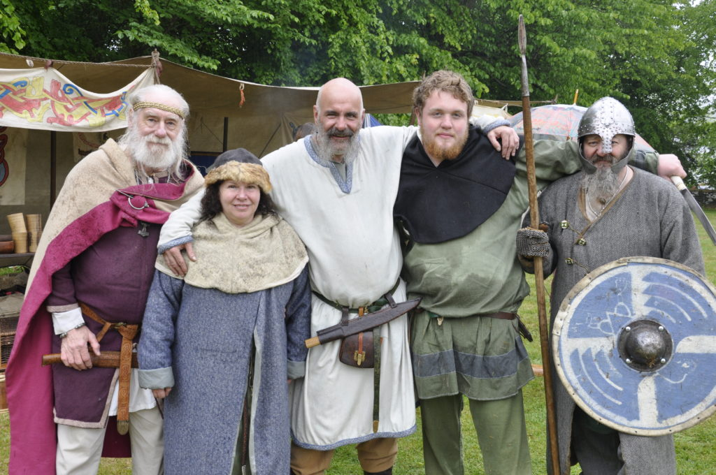 Even vikings like to pose for a photograph. 17_T22_Vikings05