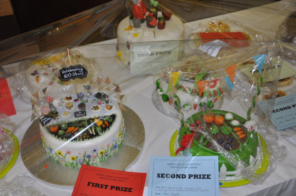 The winning cake was horticultural show themed. 15_T35_Flowershow01
