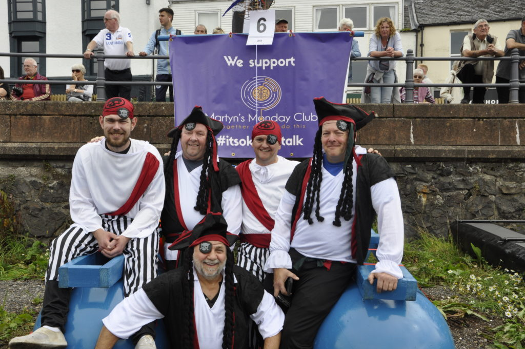 The Oban Bay Pirates (Martyn's Monday Club) before the ship shattered. 15_T35_RaftRace02