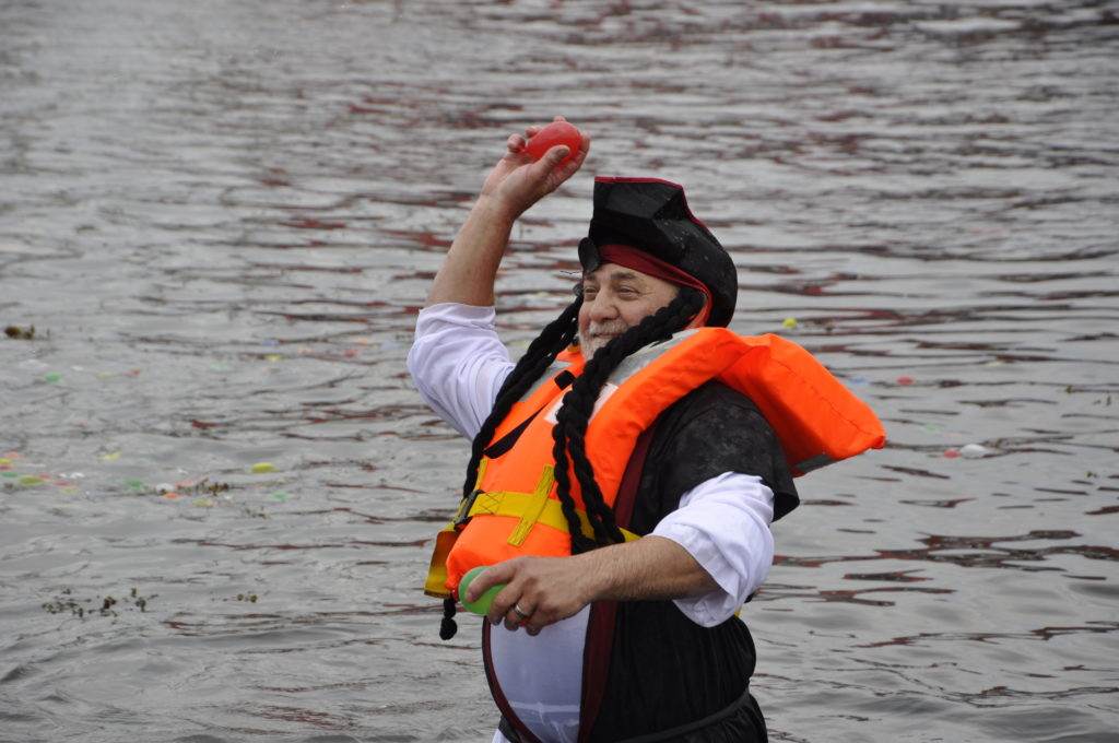 When you can't beat them, chuck water balloons at them. 15_T35_RaftRace08