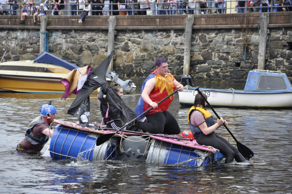 HM and S Catastrophe completes the course. 15_T35_RaftRace18
