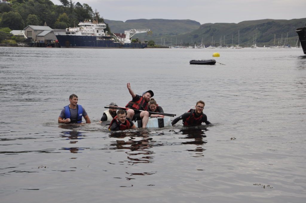 The Titanic makes it back to shore after a helping hand. 15_T35_RaftRace19