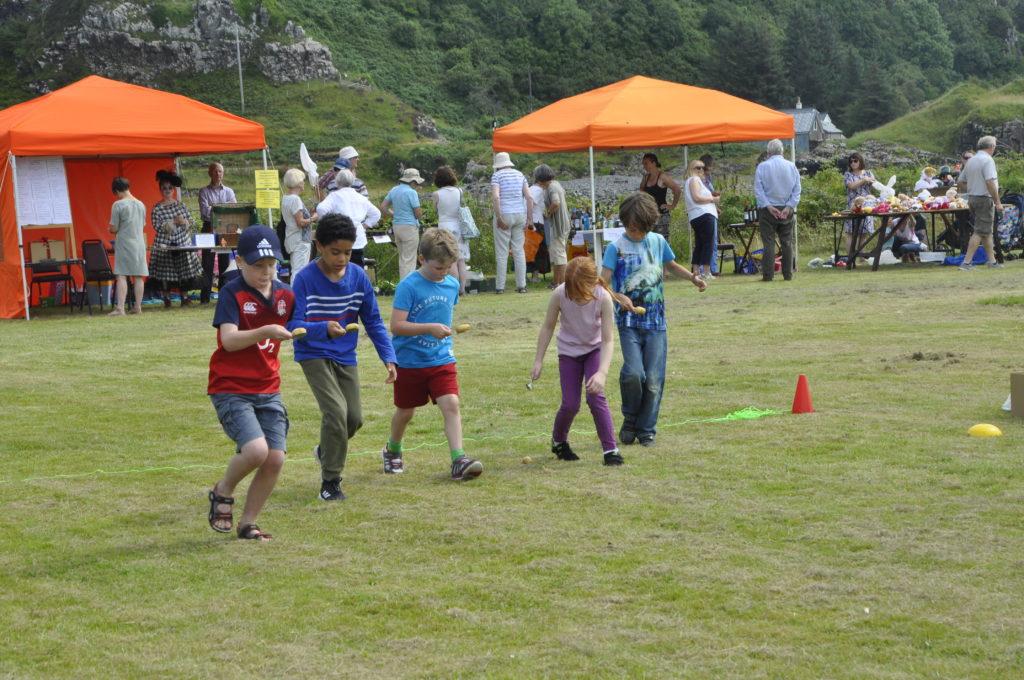 Tattie and spoon race at Saturday's children's sports on Seil.