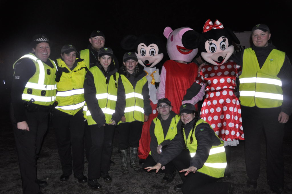 Oban's Police Scotland Youth Volunteers helped out on the night. 17_t45_DunbegBonfire04