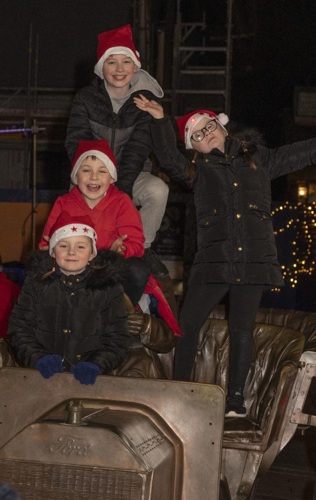 STREET FESTIVAL Santa fun on the MOdel T . Photograph: Iain Ferguson, alba.photos