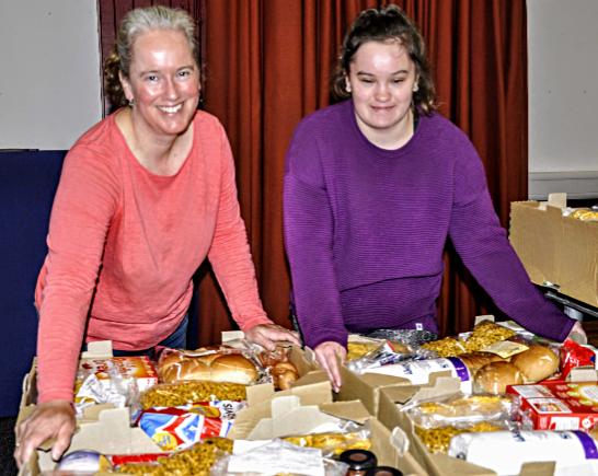 Volunteers Kate and Emily Hunter