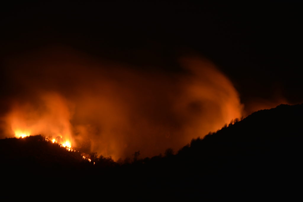The dramatic scene above Oban as the wildfire rages on. Photograph: Daniel Earl.