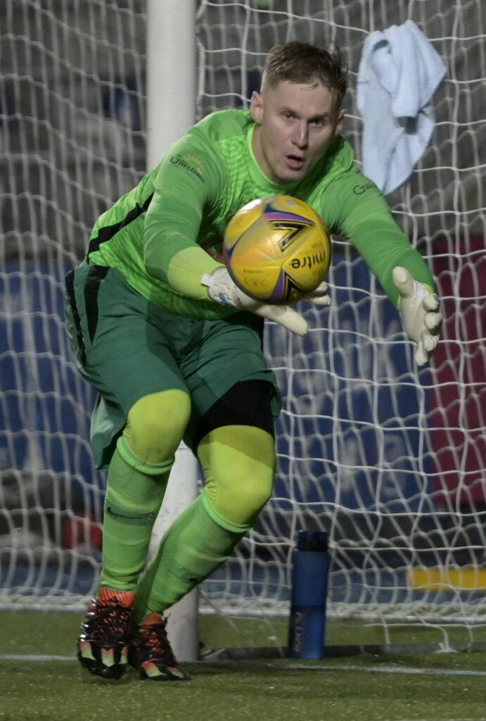 Fort goalkeeper Mateusz Kulbacki made many spectacular saves throughout the match, keeping the East Stirling scoreline down. Photograph: Iain Ferguson, alba.photos.