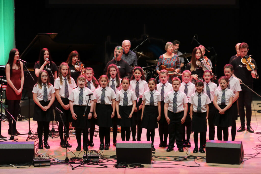 The Choir from Bun-sgoil Ghàidhlig Inbhir Nis, the Highland's first designated purpose-built all Gaelic school, were on stage at the Royal National Mòd 2021 with musician friends in Inverness