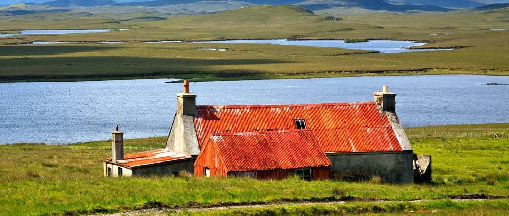 Landowners' group offers to meet MSP over empty rural houses