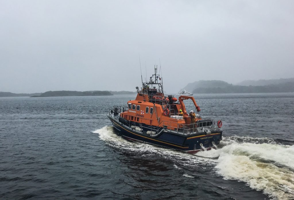 Body recovered following search for missing kayaker