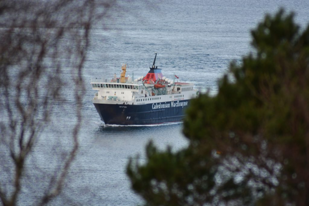 Islanders vote on pros and cons for new winter ferry timetable