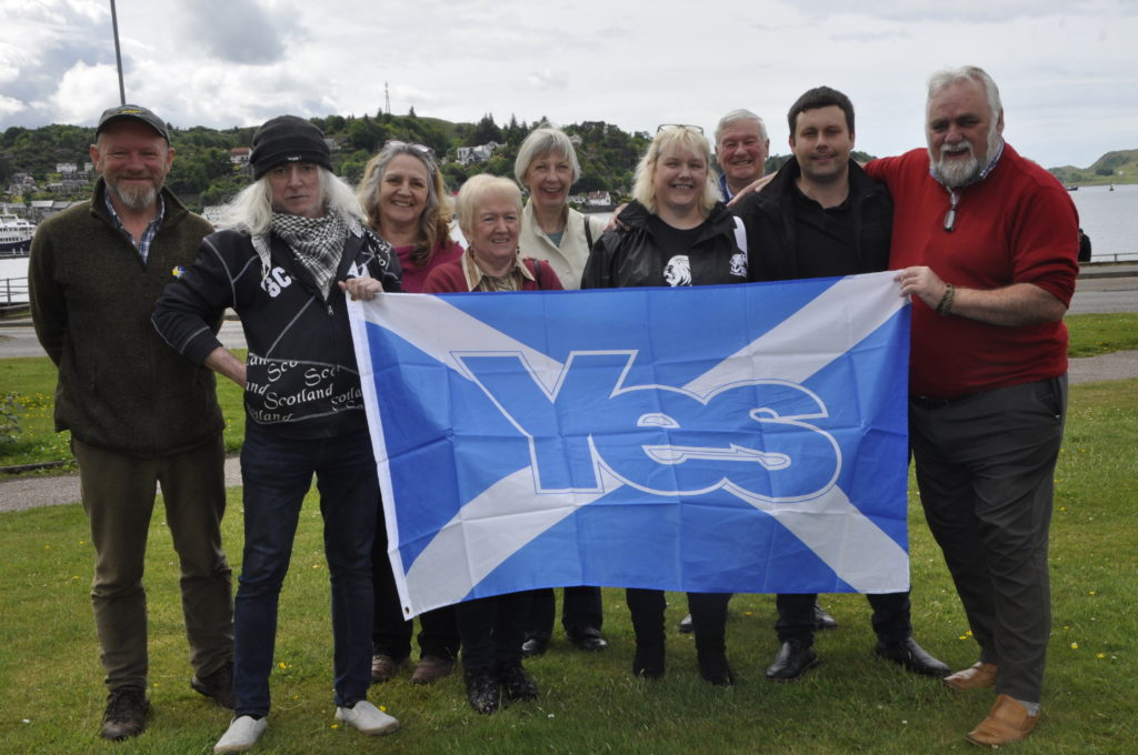 Council says 'yes' to independence march
