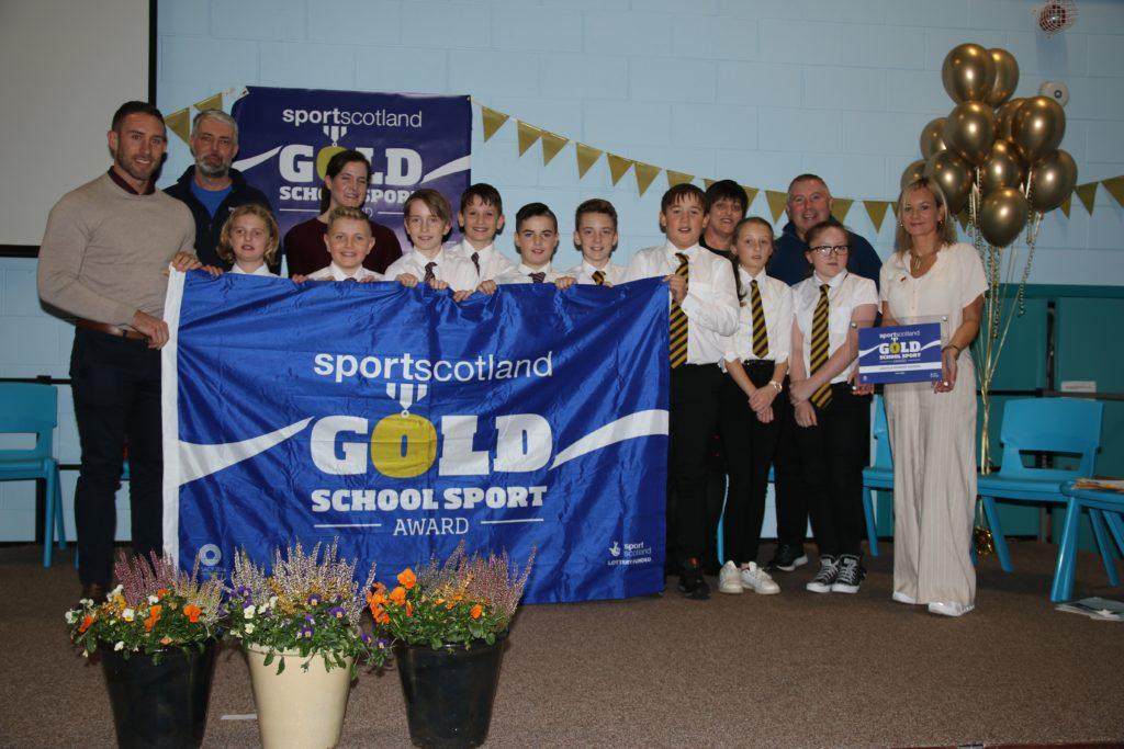 NO F49 Laxdale Gold Award Nov 2019 - group photo