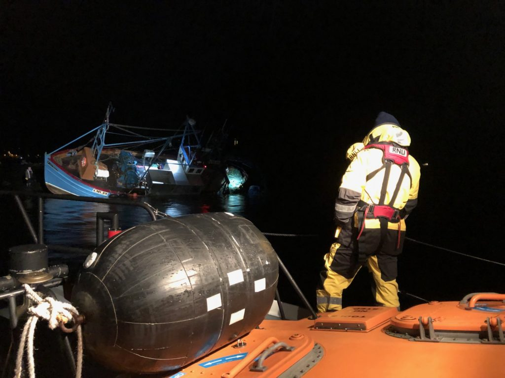 Oban lifeboat assists fishing vessel that had run aground