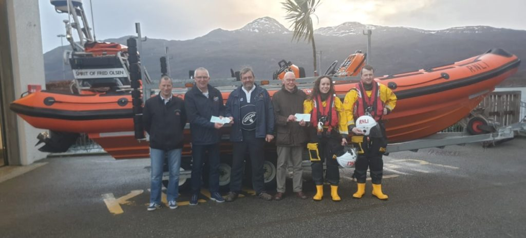 NO F)5 Portree and Kyle RNLI cheques