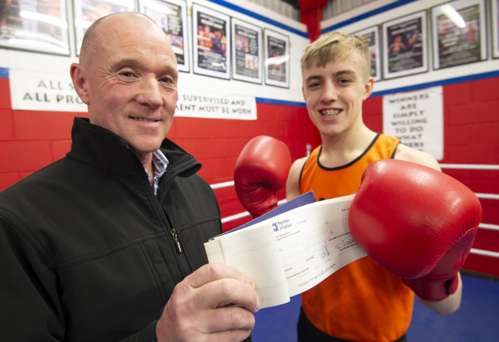 Cameron Whyte receives the sponsorship cheque from Billy Lauder. Photograph: Iain Ferguson, alba.photos NO F10 Boxing sponsorship