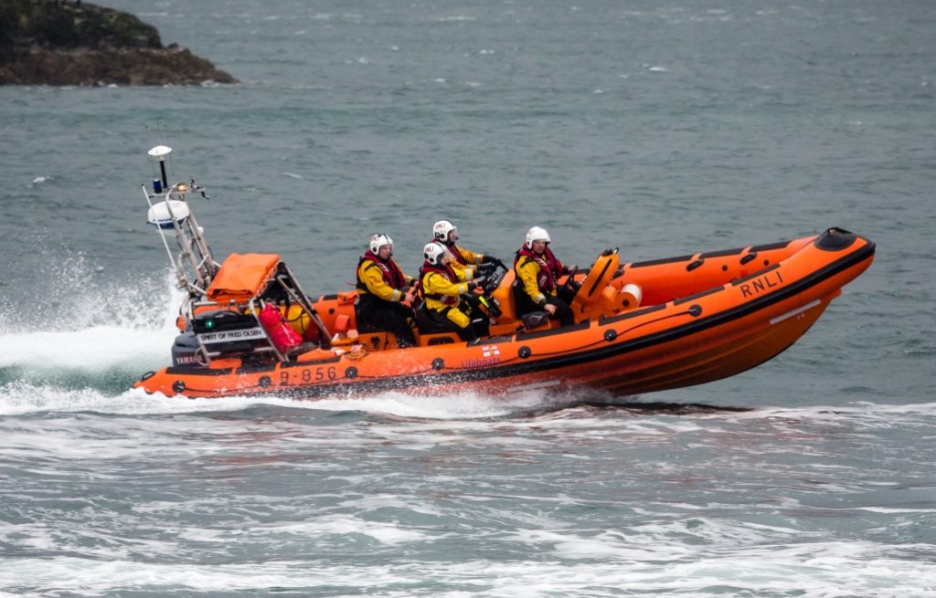 Kyle RNLI rescue man clinging to his Kayak after he capsizes in blustery conditions