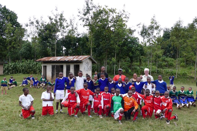 Boys from Mbahe primary school, in the Point FC strips. NO F36 Tanzania FC 01