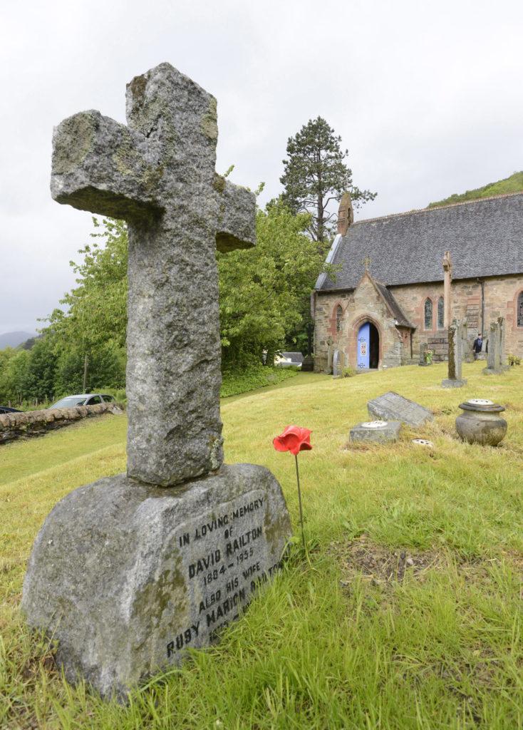 Rev Railton's grave in St Bride's churchyard, at Onich. PICTURE IAIN FERGUSON, THE WRITE IMAGE NO F46 REV RAILTON COMMEMORATION02