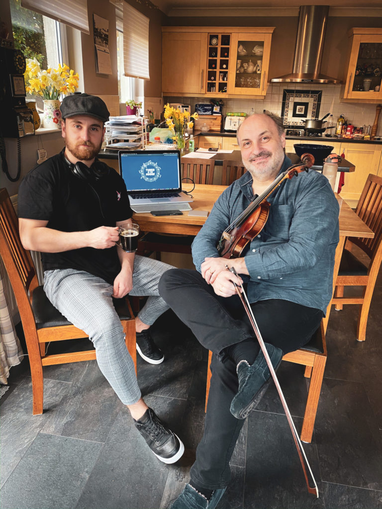 MacLeods are in tune with online community