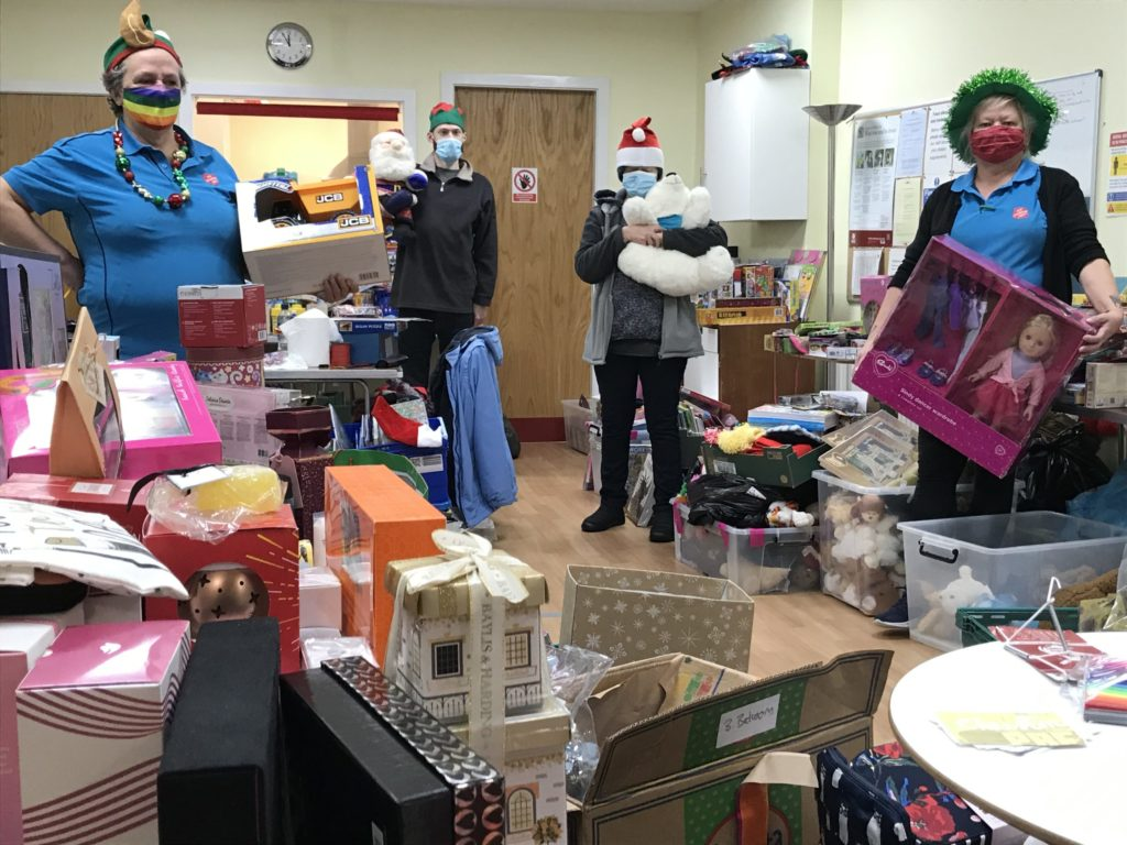 Generous Oban donates sack loads to Christmas Appeal