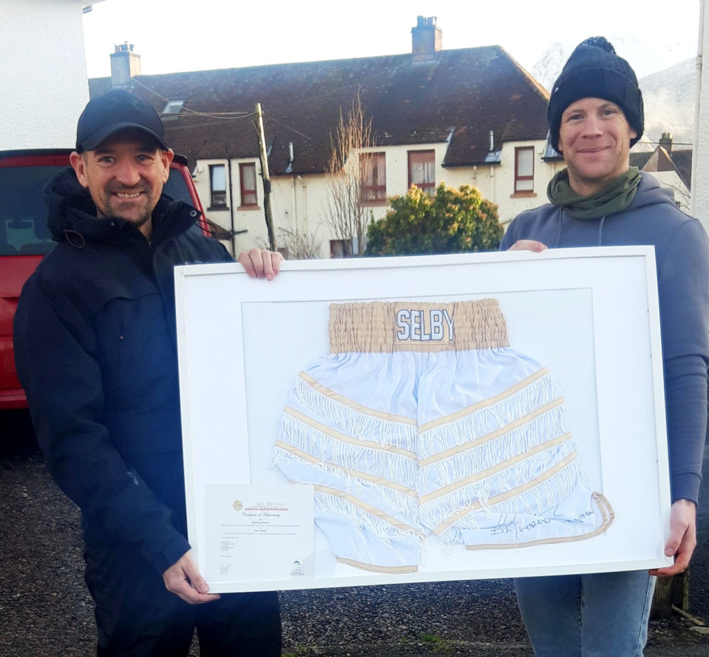 Ryan wins Lee's champion boxer shorts