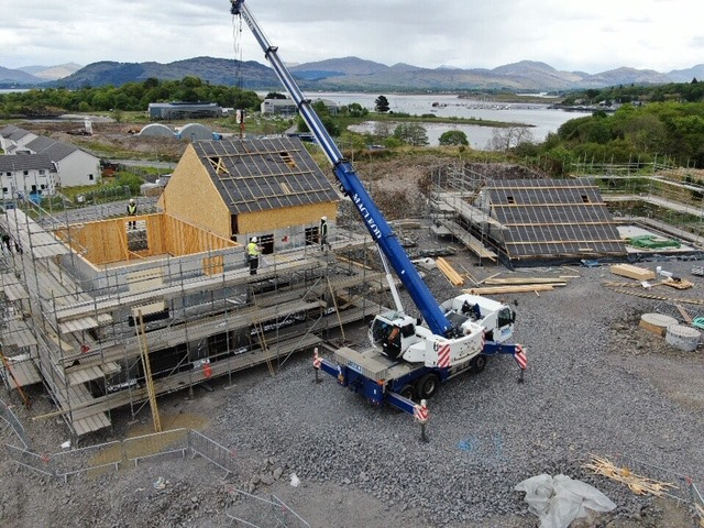 Dunbeg builders self-isolate after Covid case