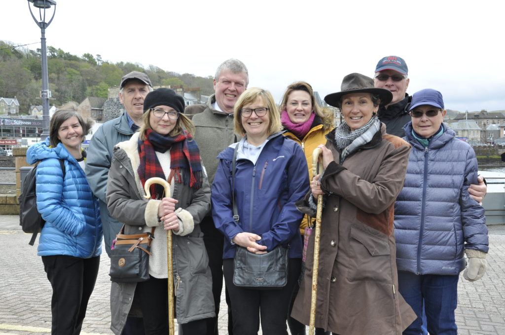 Tour guides, Michelle McAnally Woods and Linda Battison, treat participants to the first free tour of Oban. 16_T19_Firstwalkingtour01