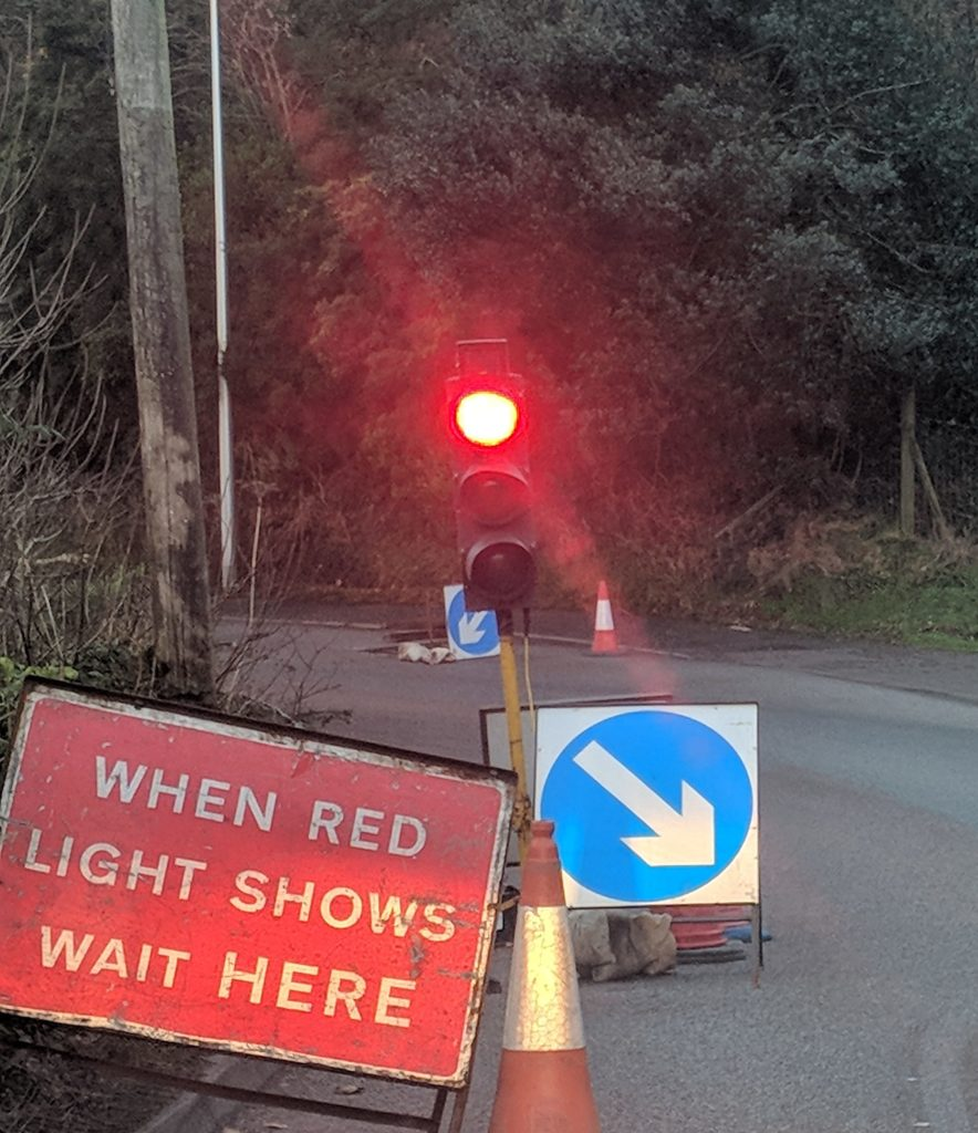 Temporary traffic lights have been positioned on the Bealach an Righ in Oban. t02_Roadworks02