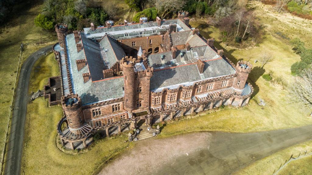 Rum group seek way forward for Kinloch Castle