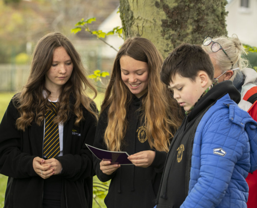 Pupils learning about the importance of peatlands at a Science Skills Academy session. Photograph: Gillian Frampton/HIE. No_F24peat01