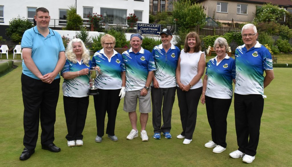 Everyone needs good neighbours at Oban Bowling Club