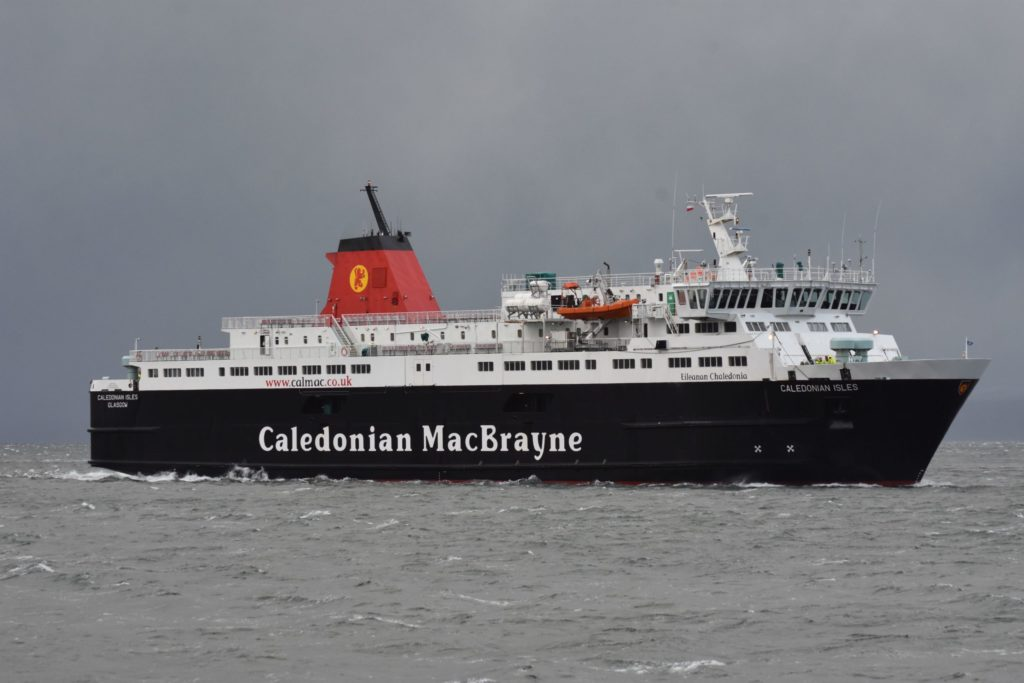 Facemasks to stay, says CalMac