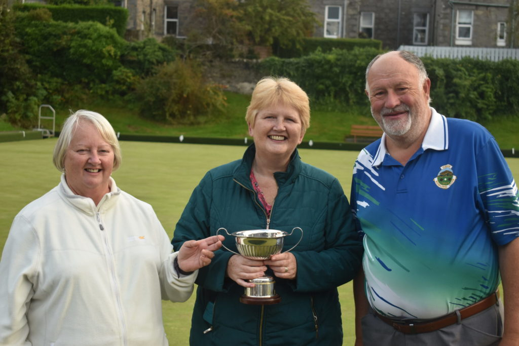 Husband and wife teams battle it out for Pairs title