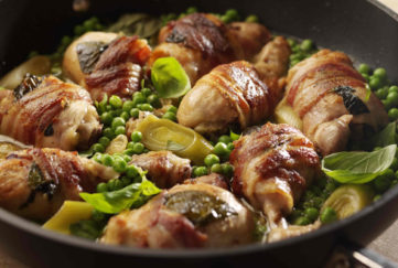 bacon-wrapped chicken with leeks
