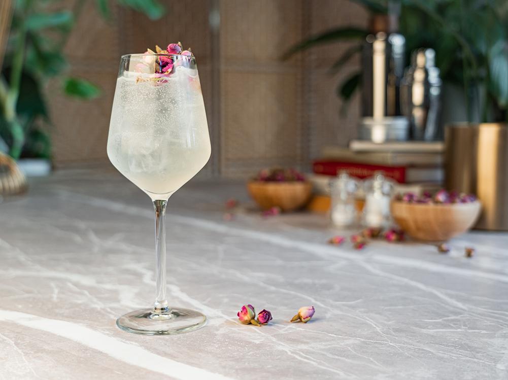 Elderflower 'Le Fizz' cocktail box from Cocktail Porter