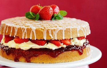 Strawberry-and-Mint-Afternoon-Tea-Cake-LARGE
