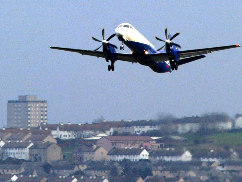 Think-tank says Scottish air routes are disadvantaged