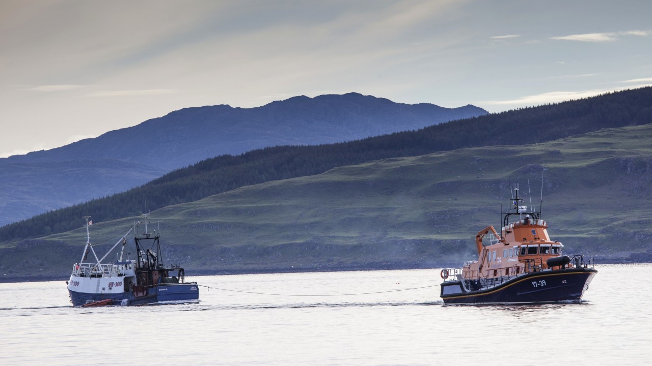 Tobermory lifeboat has towed a yacht