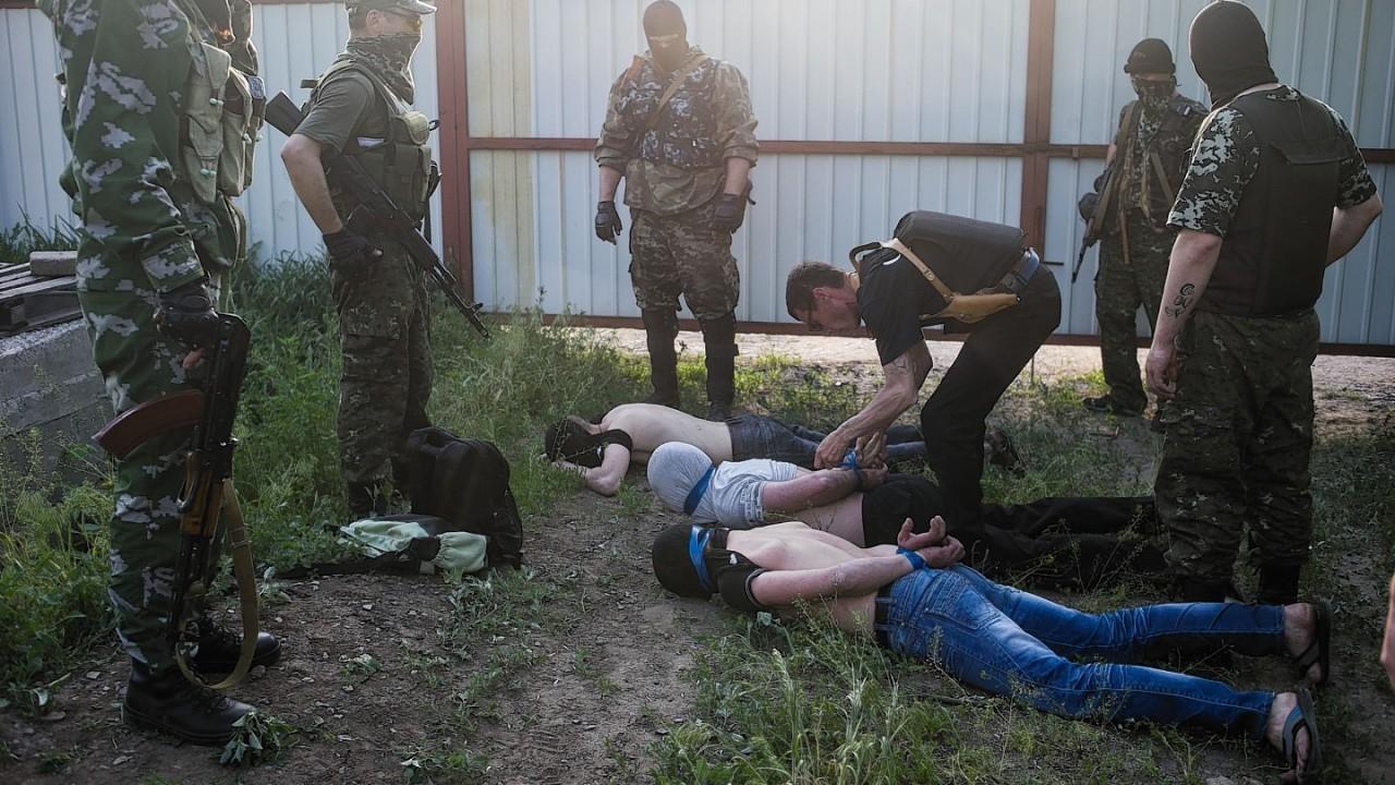 Pro-Russian militants arrest suspected pro-Ukrainian government spies