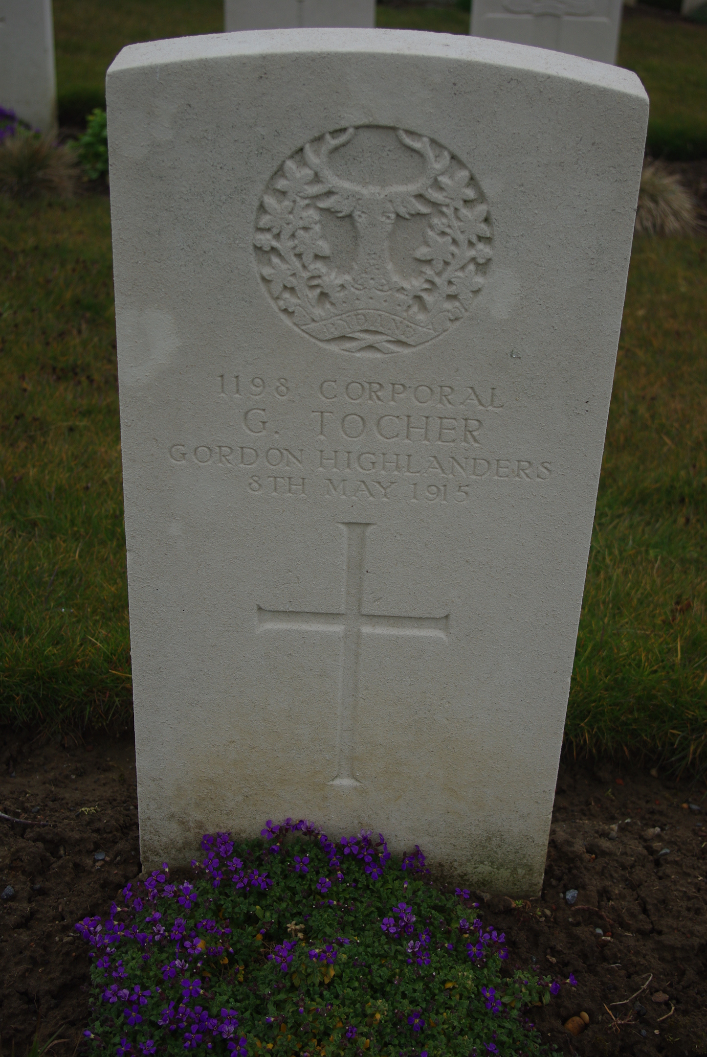 The Grave of George Tocher in La Clytee CWGC Cemetery