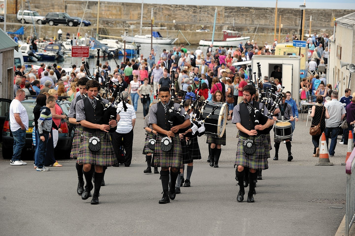 Hopeman Harbour Day Gordonstoun Pipe band