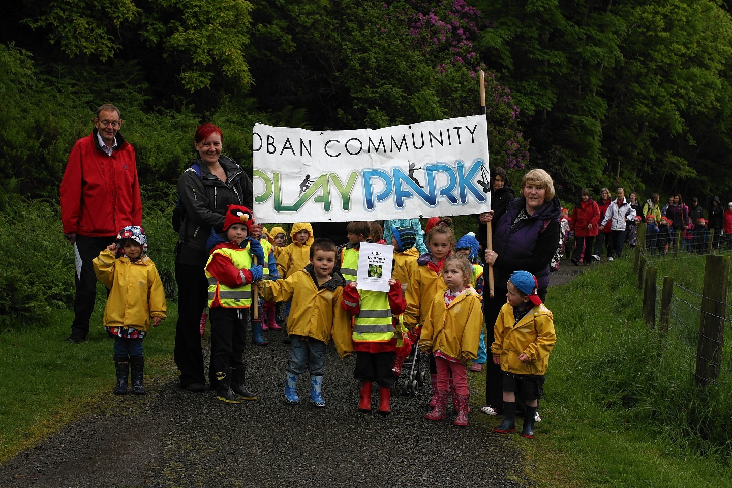 Oban toddlers took to the streets
