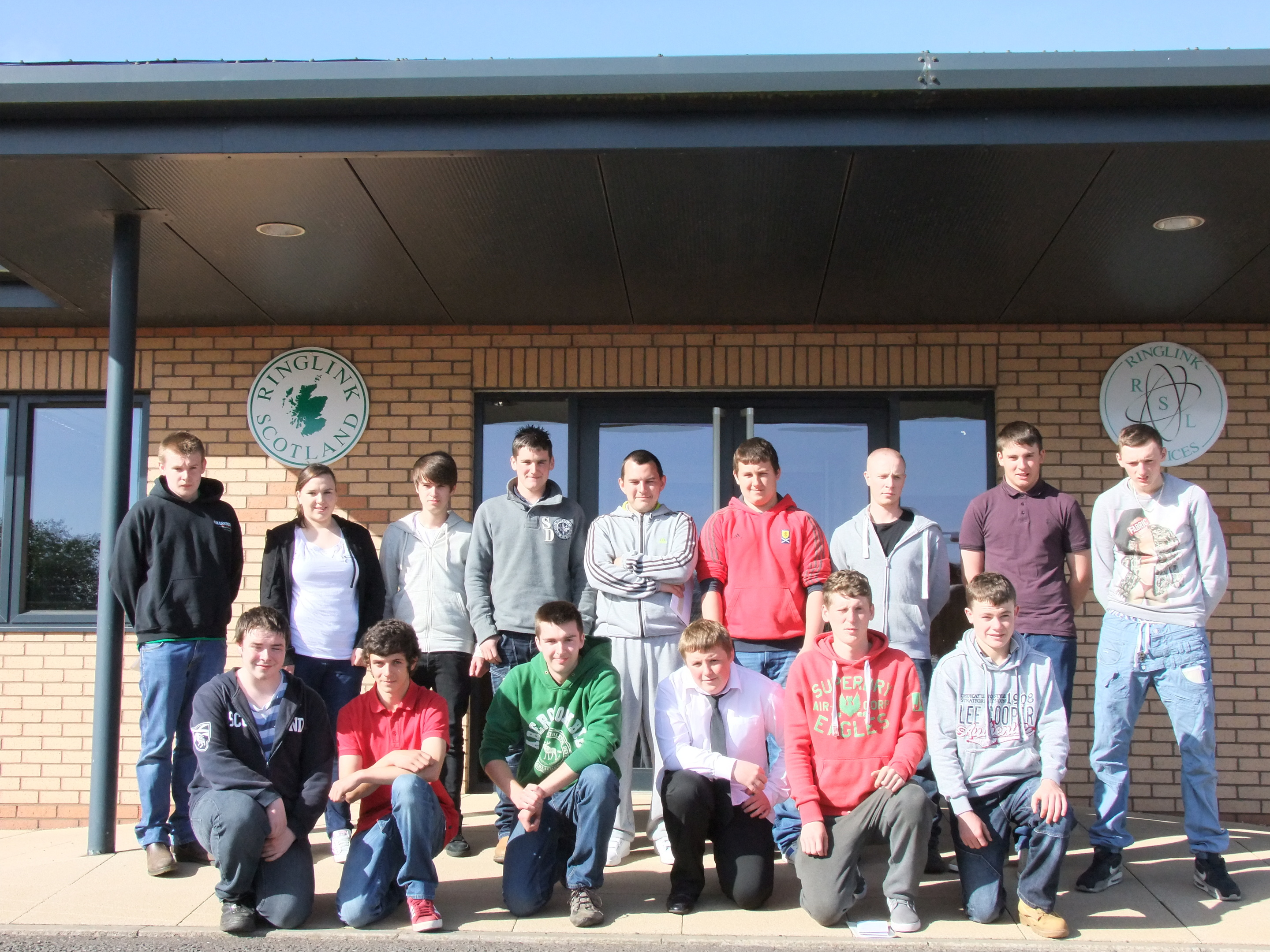 A group of previous Ringlink interns