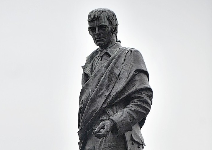 The Robert Burns statue in Aberdeen.