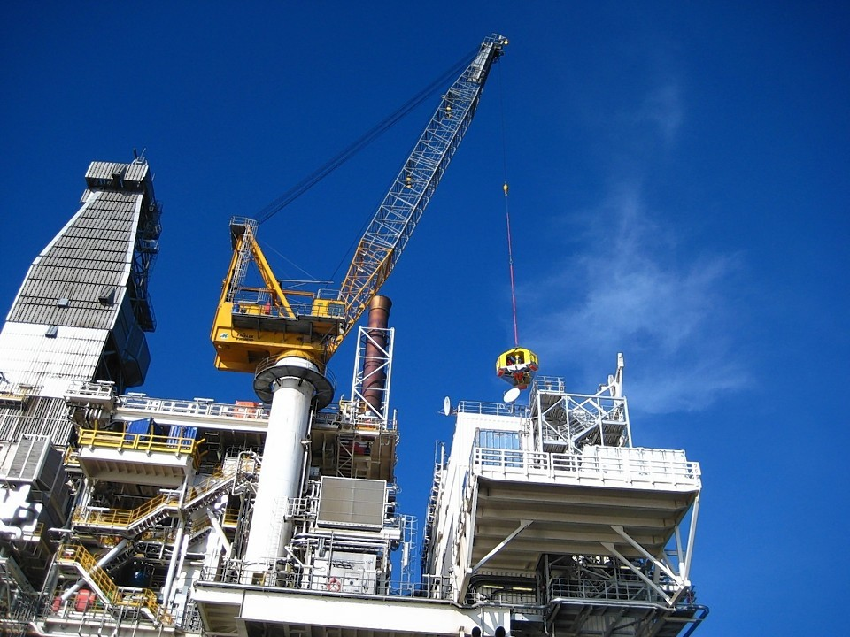 Transferring crews offshore by vessel and crane is more common and safer than often perceived.