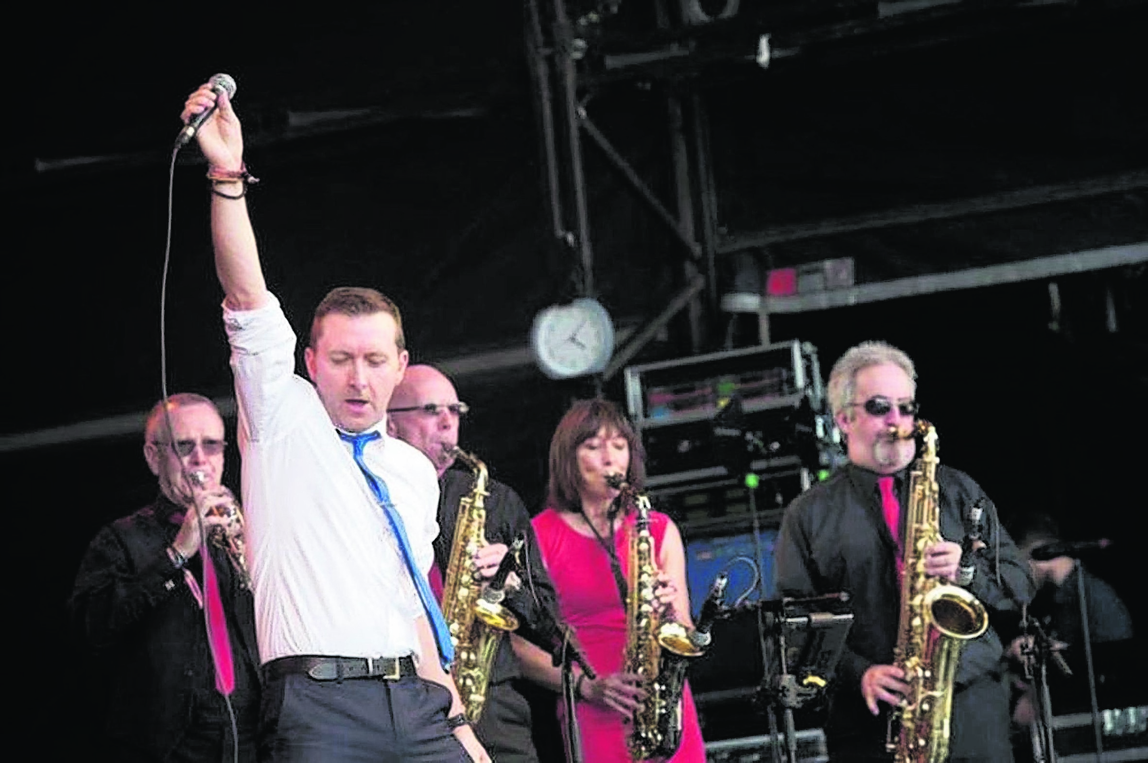 Scooty and the Skyhooks in action