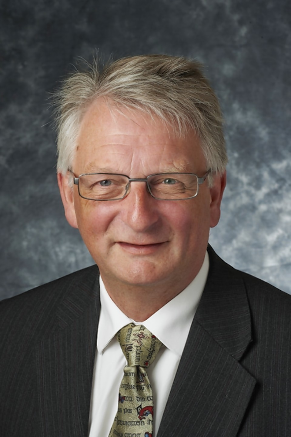Highland Council deputy leader David Alston has accused the justice secretary of misrepresenting role of Northern Police Board in introduction of armed police on the streets.