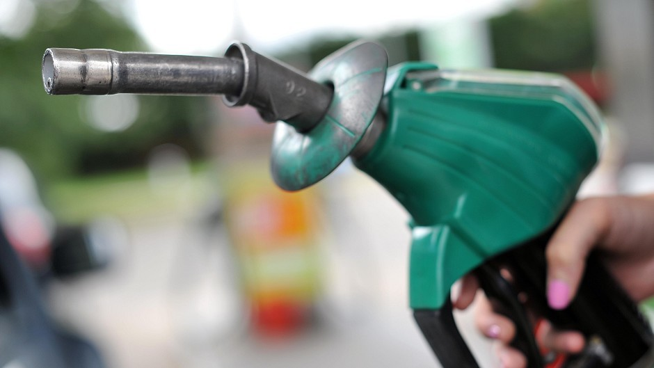 Supermarkets are cutting their fuel prices